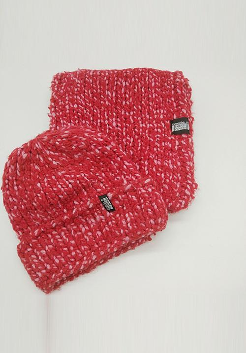 Комплект: Шапка с шарфом Enrico Coveri 04